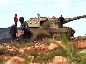 قوات القذافي تقتل 20 شخصا في قصف على مصراتة