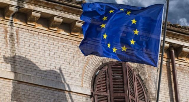 الاتحاد الأوروبي يأسف لانتهاك كلا من أرمينيا وأذربيجان الهدنة الإنسانية بينهما