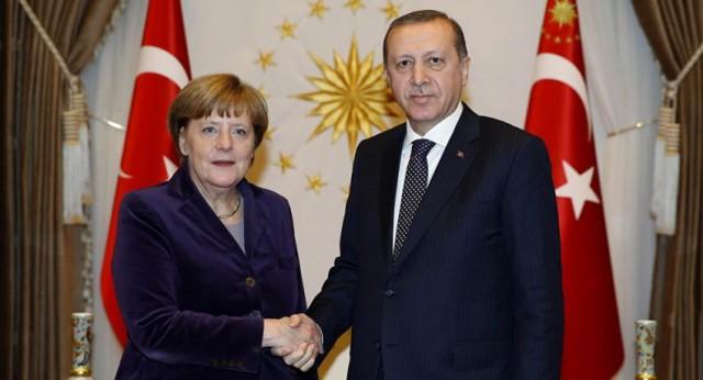 """أردوغان: ميركل دهشت عندما أبلغتها """"بأكبر نجاح لتركيا"""""""