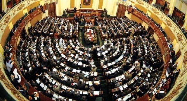 """تفاصيل خلاف في مجلس الشيوخ المصري حول الاستناد إلى """"مبادئ الشريعة الإسلامية"""""""