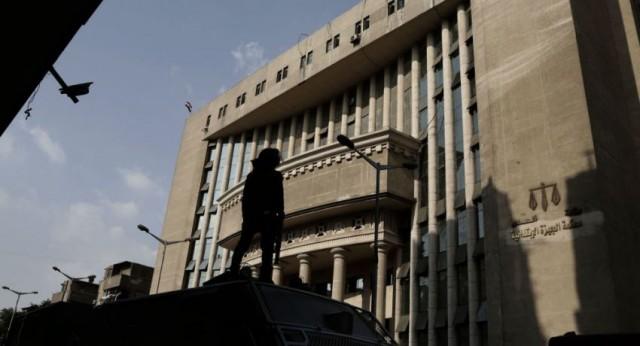 حكم قضائي يؤيد حبس مطرب مصري 6 أشهر